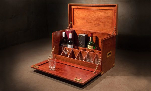 Campaign-Field-Bar-whisky-cabinet