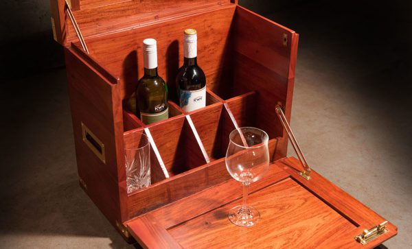 Mini-Field-Bar-serving-table