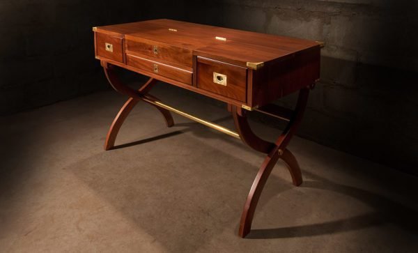 Campaign-Officers-Desk-in-mahogany-and-solid-brass