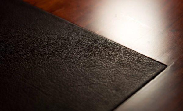 Safari-Desk-genuine-leather-detail