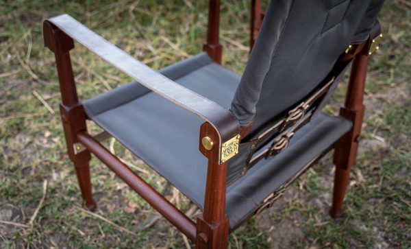 Roorkhee-Chair-Auto-canvas-leather-detail