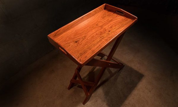 Campaign-Field-Bar-Tray-table
