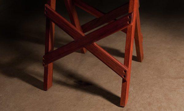 Canvas-Wash-Stand-leg-detail