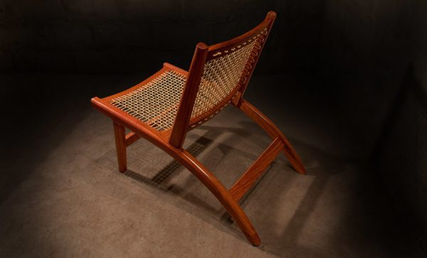 Safari-Easy-Chair-with-yacht-sail-rope-rear